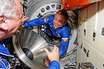 Открытие люка Союз ТМА-13М, прибытие нового экипажа и первая конференция