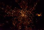 Города мира - где-то ночью в Западной Европе