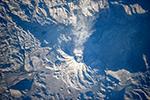Дымит вулкан Убинас. Перу, Южная Америка